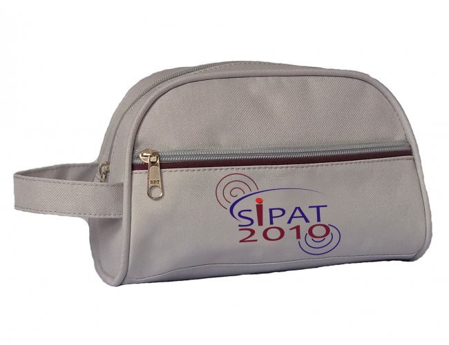 http://www.ravianabrindes.com.br/content/interfaces/cms/userfiles/produtos/601-necessaire-personarizada-601-851.jpg